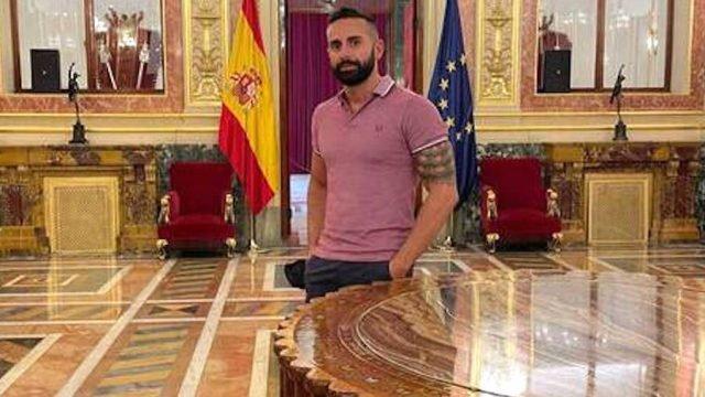 """El guardia civil José Pedro Sageras, que se presentó a Mr Gay, denuncia """"mofas y acoso"""" de compañeros"""